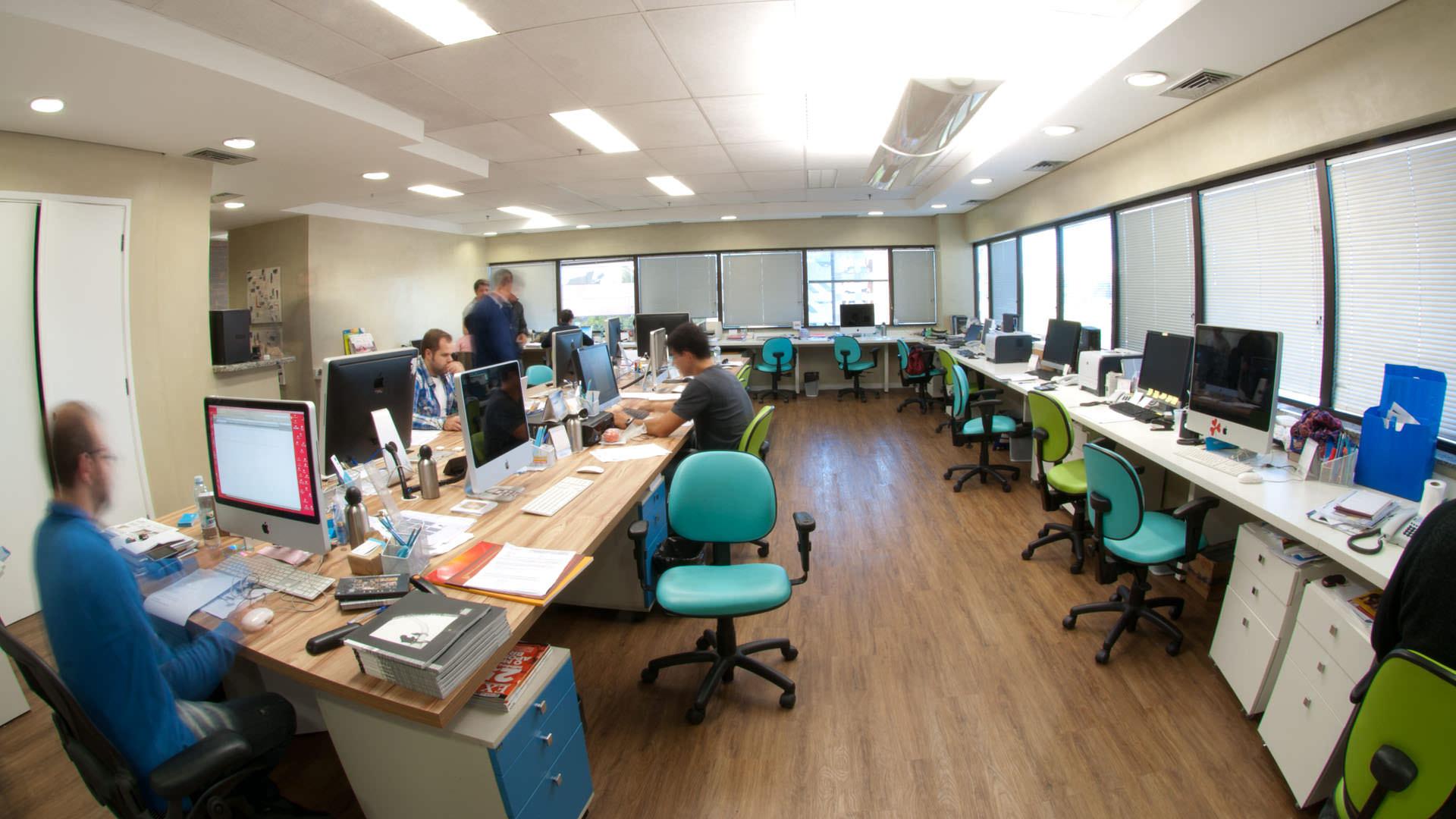 bancada de trabalho mesa contínua mobiliário corporativo