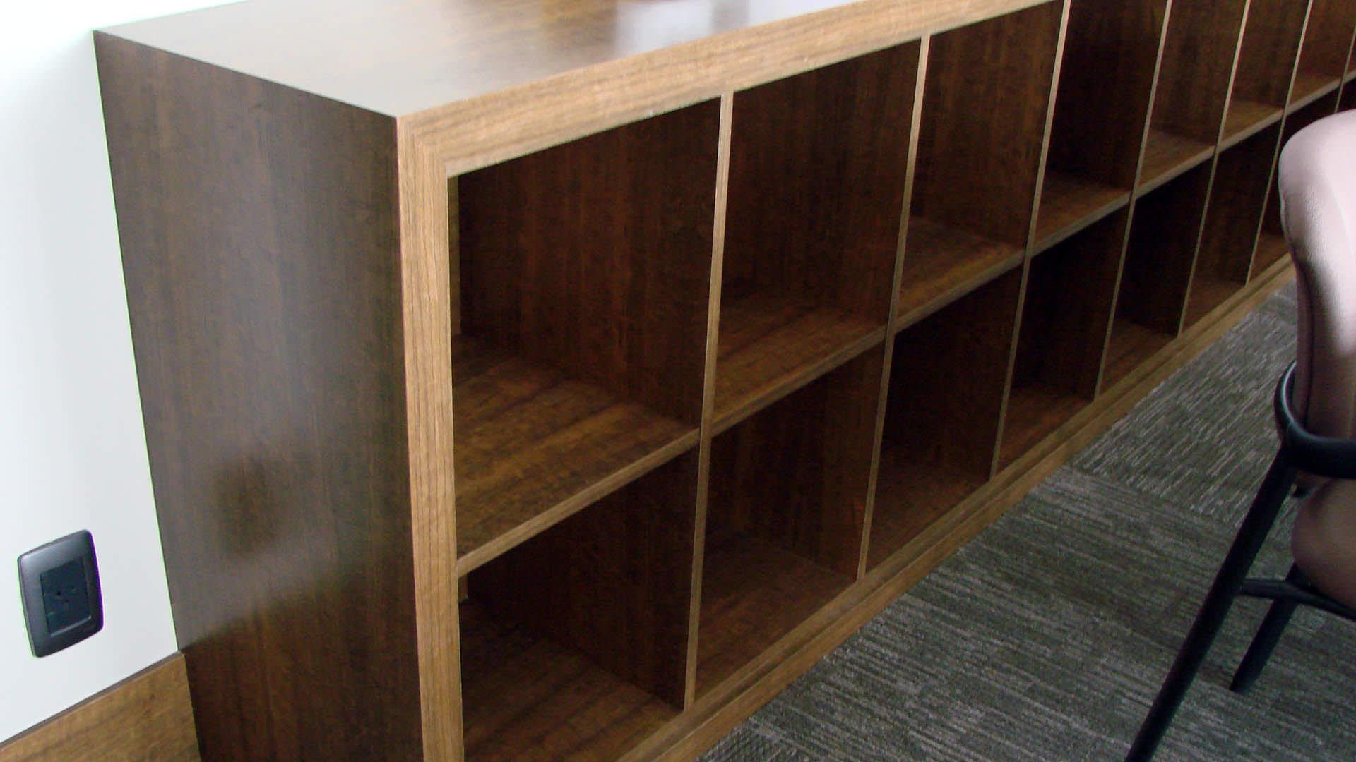 armário com escaninho sob medida móveis planejados ambiente corporativo