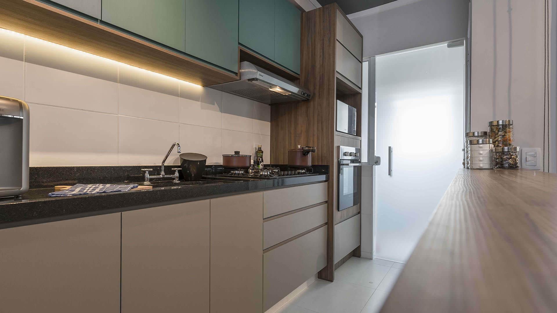 cozinha planejada apartamento pequeno com móveis planejados