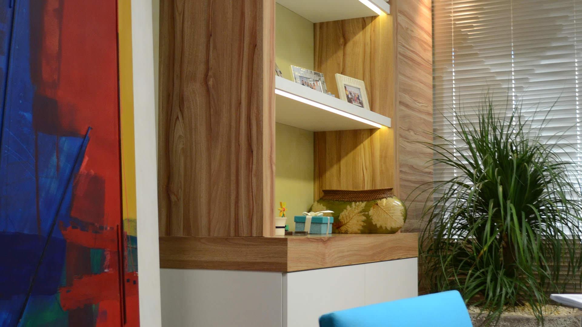 mobiliário corporativo estante e armário