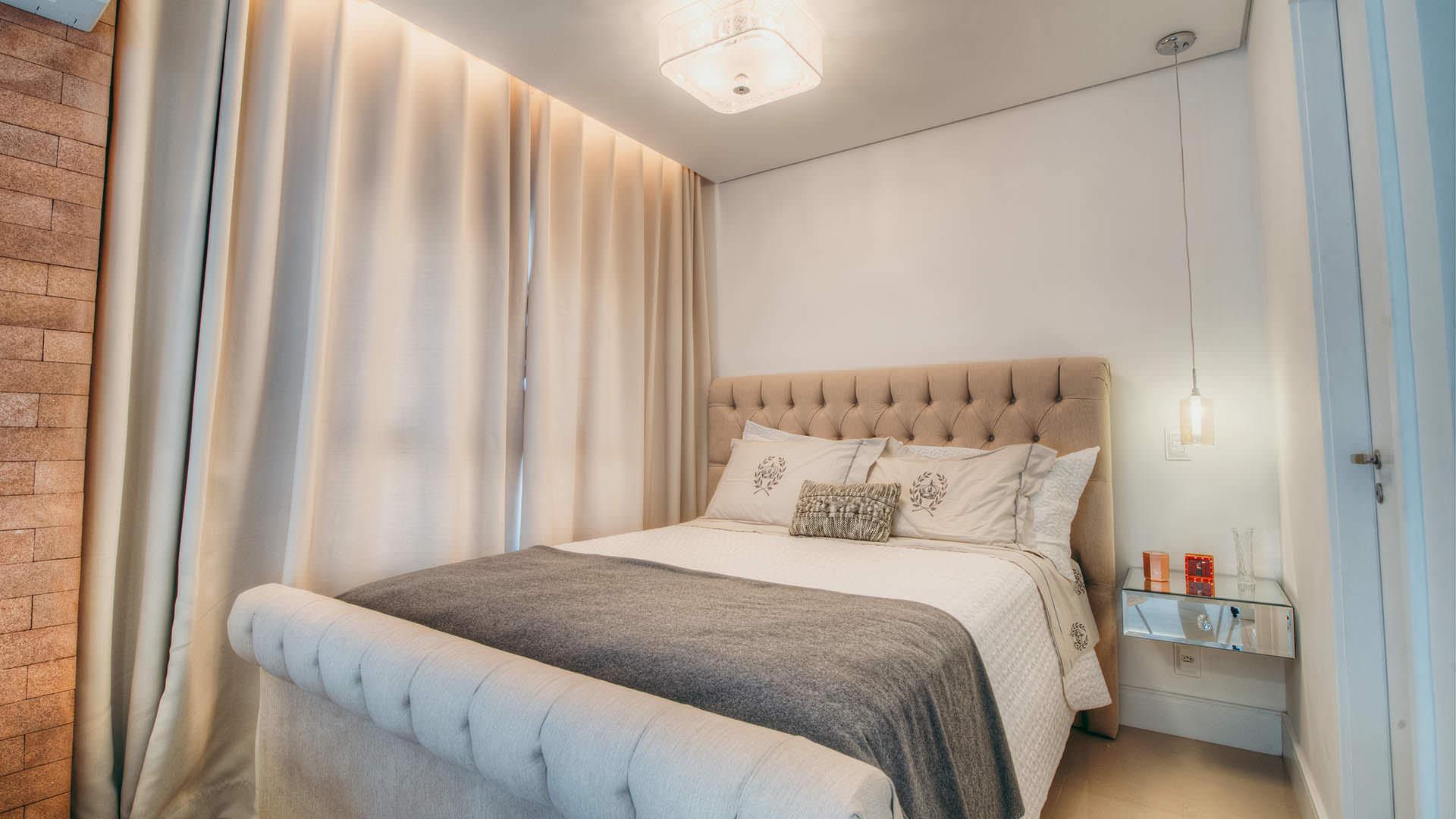 Quarto Casal Criado Mudo Revestimento Espelho Espa O Pleno  ~ Quarto De Casal Planejado De Apartamento Pequeno